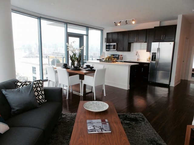 2 Bedrooms, Goose Island Rental in Chicago, IL for $3,622 - Photo 1