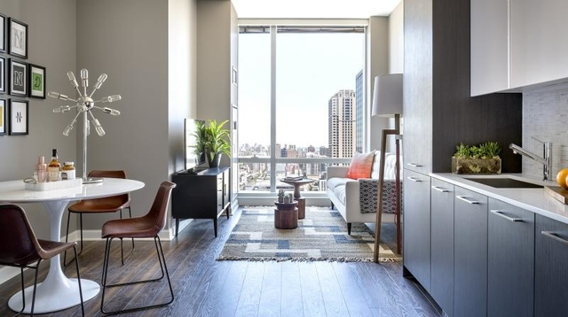 Studio, The Loop Rental in Chicago, IL for $2,000 - Photo 2