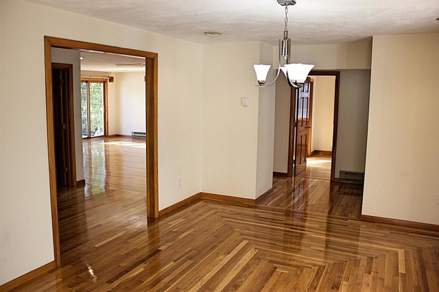4 Bedrooms, Squantum Rental in Boston, MA for $3,500 - Photo 2