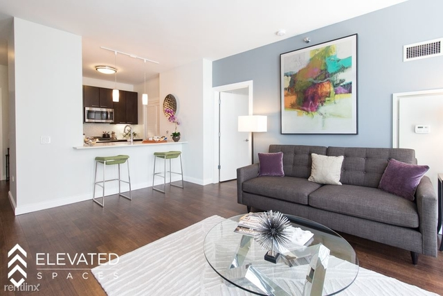 2 Bedrooms, Gold Coast Rental in Chicago, IL for $5,535 - Photo 2