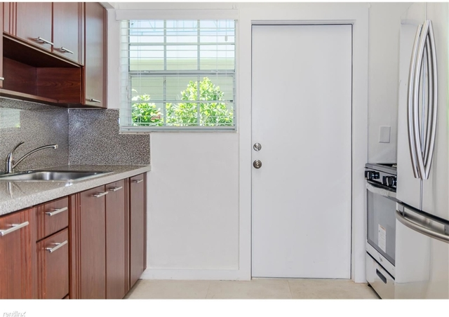 2 Bedrooms, West Avenue Rental in Miami, FL for $2,000 - Photo 1