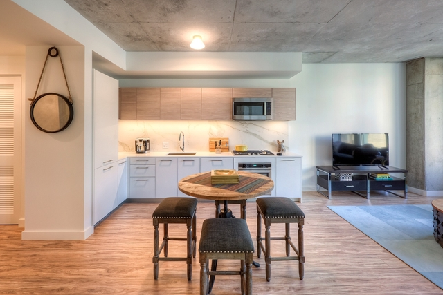 1 Bedroom, West Loop Rental in Chicago, IL for $2,340 - Photo 2