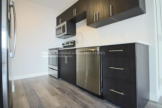 Studio, Near North Side Rental in Chicago, IL for $1,820 - Photo 1