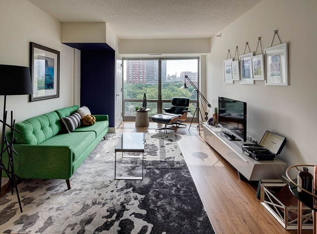 2BR at 900 S Clark St - Photo 12