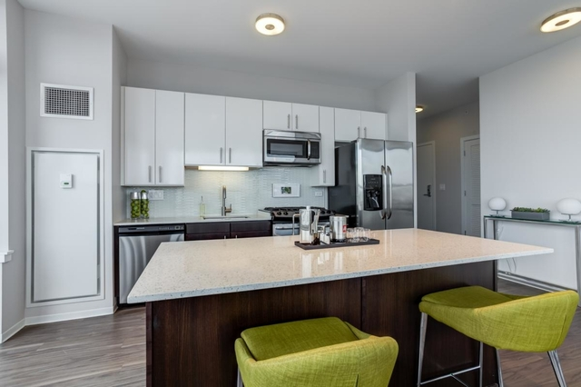 1 Bedroom, Greektown Rental in Chicago, IL for $2,123 - Photo 2