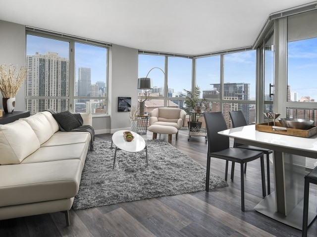 1 Bedroom, Gold Coast Rental in Chicago, IL for $2,015 - Photo 2