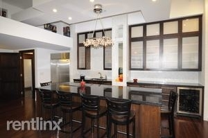 3 Bedrooms, Gold Coast Rental in Chicago, IL for $5,250 - Photo 2