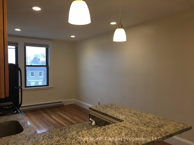 2 Bedrooms, Ten Hills Rental in Boston, MA for $2,200 - Photo 2