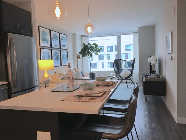 2 Bedrooms, Seaport District Rental in Boston, MA for $5,435 - Photo 2