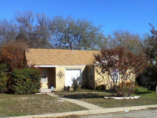 3 Bedrooms, University Court Rental in Dallas for $1,250 - Photo 1