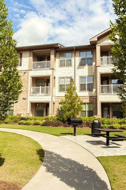 2 Bedrooms, Ben Hill Rental in Atlanta, GA for $1,405 - Photo 2