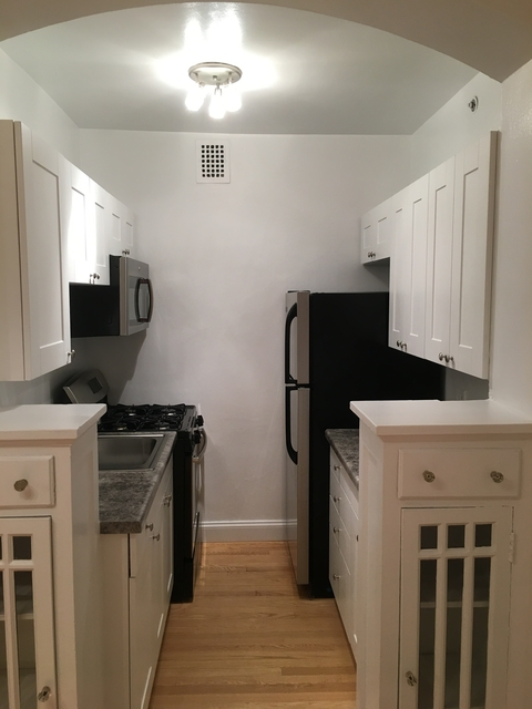 1 Bedroom, Gold Coast Rental in Chicago, IL for $1,420 - Photo 2