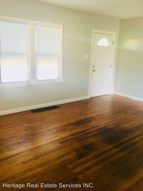 2 Bedrooms, Tolleston Rental in Chicago, IL for $750 - Photo 1