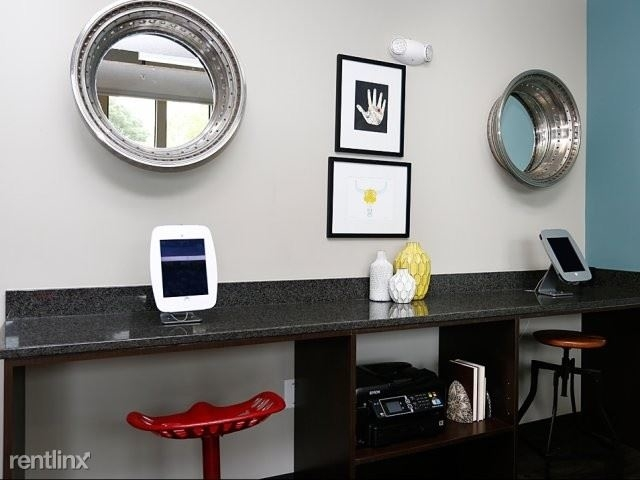 1 Bedroom, Capitol Gateway Rental in Atlanta, GA for $1,250 - Photo 2