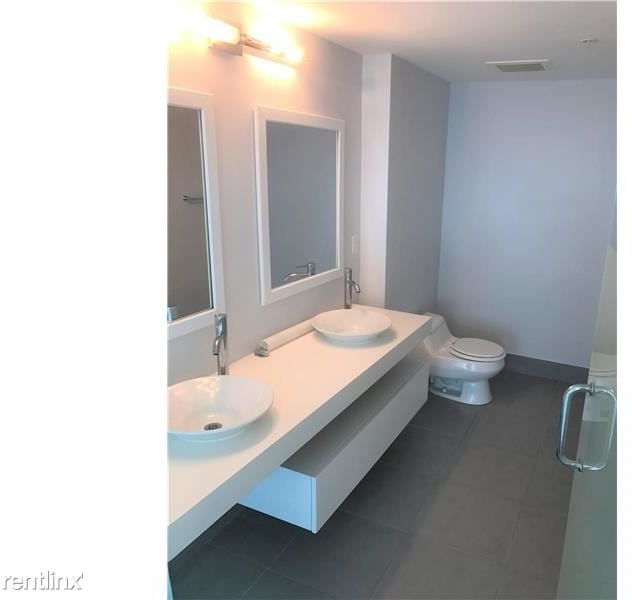 2 Bedrooms, River Front West Rental in Miami, FL for $2,300 - Photo 2