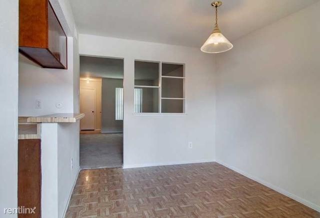 2 Bedrooms, Fondren Southwest Bellfort Square Rental in Houston for $835 - Photo 2
