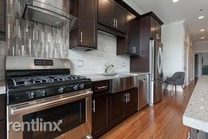 1 Bedroom, Near West Side Rental in Chicago, IL for $2,250 - Photo 2