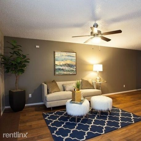 2 Bedrooms, Highland Meadows Rental in Dallas for $890 - Photo 2