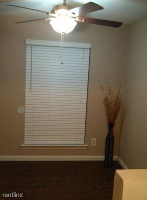 1 Bedroom, Kidd Springs Rental in Dallas for $885 - Photo 2