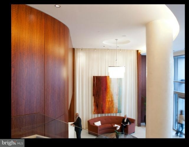 2 Bedrooms, Crystal City Shops Rental in Washington, DC for $2,926 - Photo 2