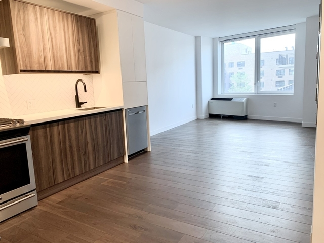 1 Bedroom, Greenpoint Rental in NYC for $2,889 - Photo 1