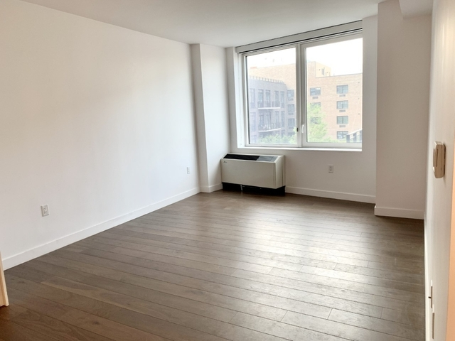 1 Bedroom, Greenpoint Rental in NYC for $2,889 - Photo 2