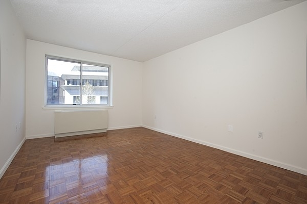 1 Bedroom, Battery Park City Rental in NYC for $3,323 - Photo 2