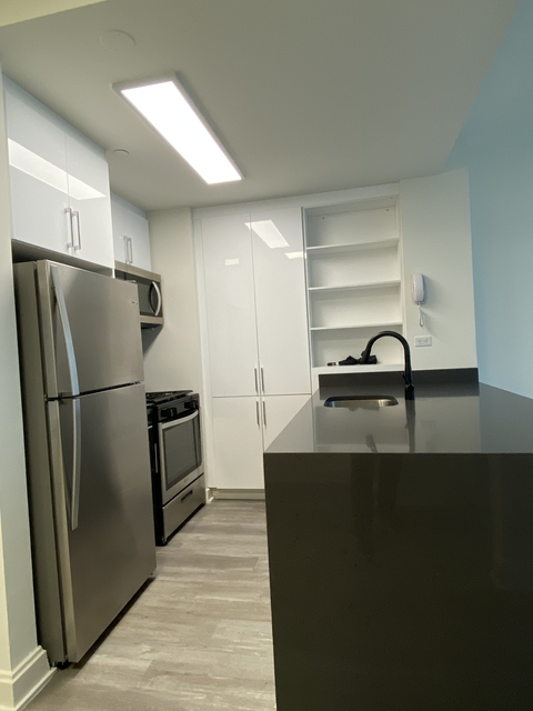 2 Bedrooms, Financial District Rental in NYC for $5,950 - Photo 2