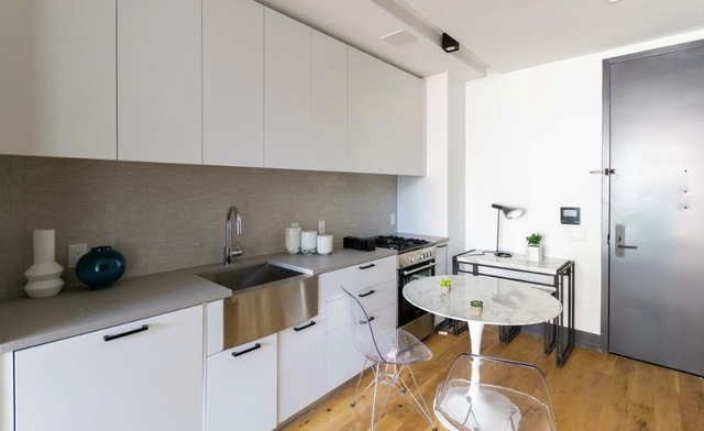 Studio, Long Island City Rental in NYC for $2,525 - Photo 2