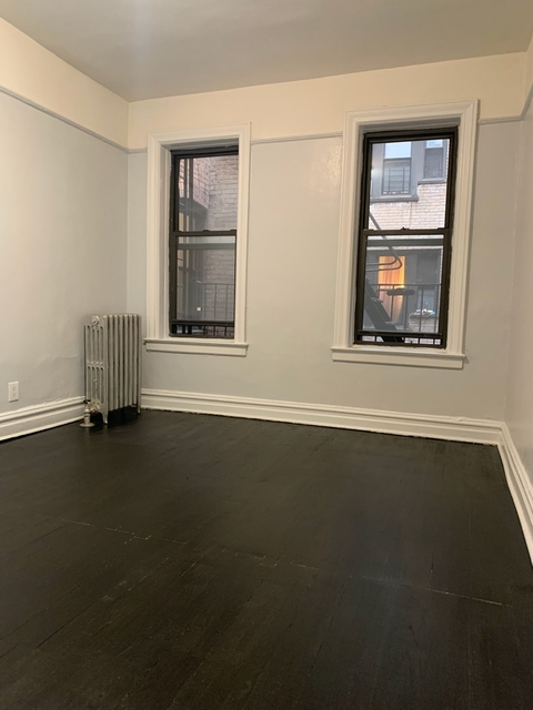 2 Bedrooms, Madison Rental in NYC for $1,945 - Photo 2