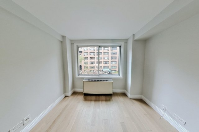 1 Bedroom, Turtle Bay Rental in NYC for $3,296 - Photo 2