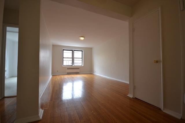 1 Bedroom, Rego Park Rental in NYC for $2,175 - Photo 2