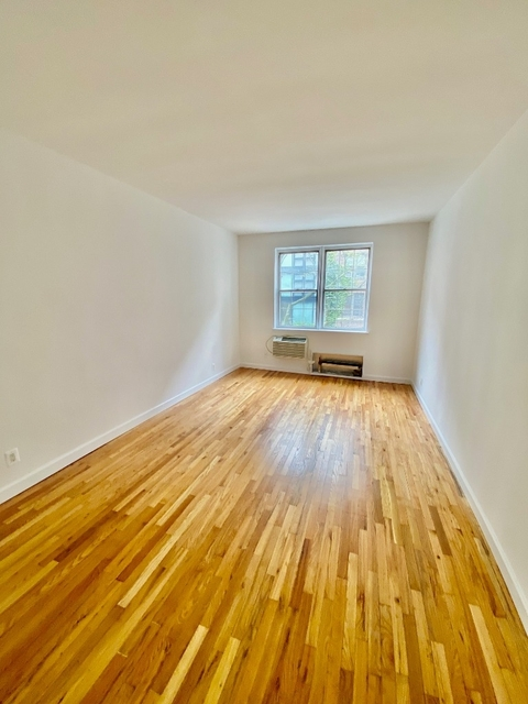 1 Bedroom, Yorkville Rental in NYC for $2,675 - Photo 1