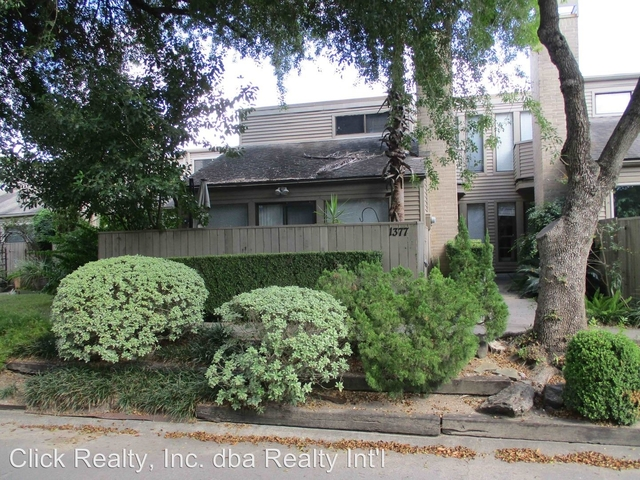 2 Bedrooms, Epernay Townhome Rental in Houston for $1,700 - Photo 1