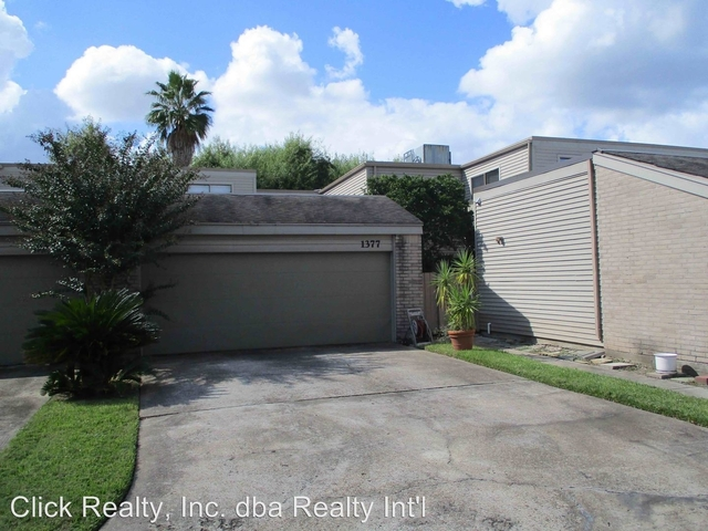 2 Bedrooms, Epernay Townhome Rental in Houston for $1,700 - Photo 2