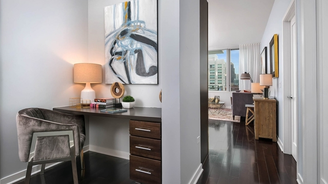 2 Bedrooms, River North Rental in Chicago, IL for $3,842 - Photo 1