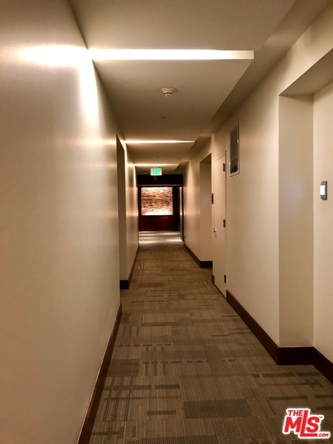 1 Bedroom, South Park Rental in Los Angeles, CA for $2,750 - Photo 1