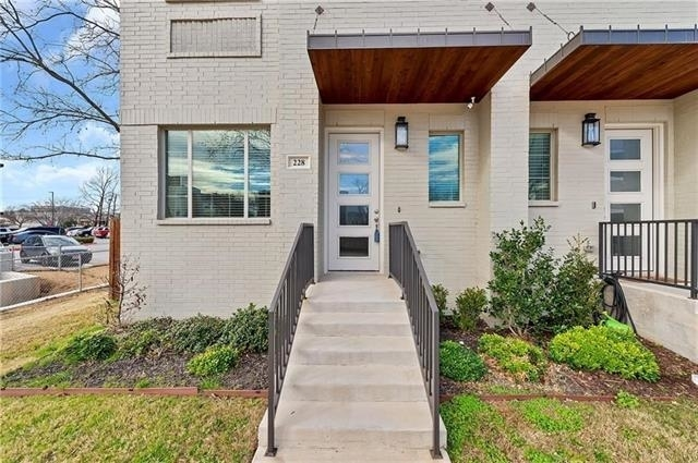 3 Bedrooms, Linwood Rental in Dallas for $2,990 - Photo 1