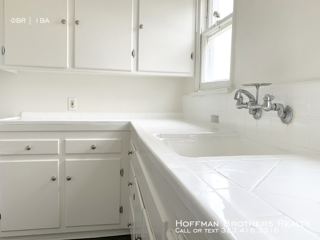 1 Bedroom, Hancock Park Rental in Los Angeles, CA for $1,749 - Photo 2