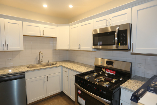 1 Bedroom, Ranch Triangle Rental in Chicago, IL for $1,795 - Photo 2