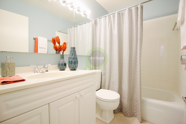 1 Bedroom, Gold Coast Rental in Chicago, IL for $1,541 - Photo 2