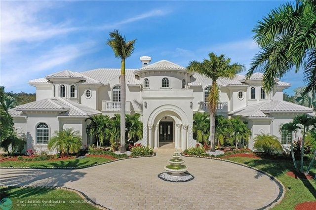 6 Bedrooms, Vista Del Lago Rental in Miami, FL for $11,000 - Photo 1