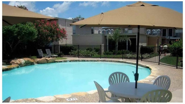 2 Bedrooms, Meadowgreen Rental in Houston for $955 - Photo 2