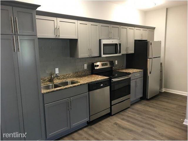 3 Bedrooms, New Town Rental in Atlanta, GA for $1,870 - Photo 2