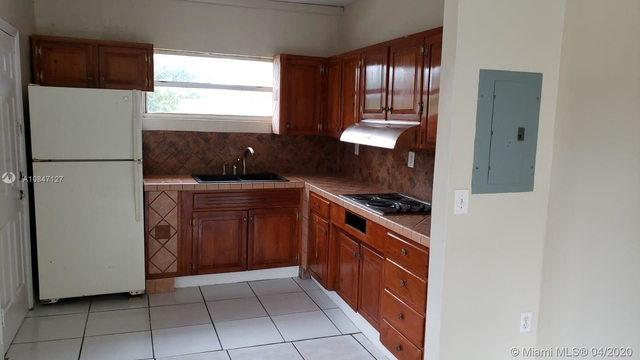 2 Bedrooms, Bon Aire Rental in Miami, FL for $1,600 - Photo 2