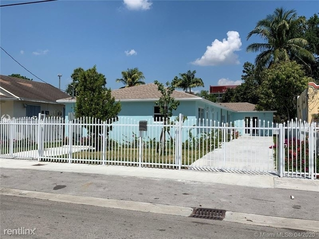 3 Bedrooms, Pinewood Park Rental in Miami, FL for $2,200 - Photo 2