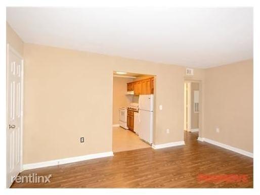 2 Bedrooms, Berkeley Park Rental in Atlanta, GA for $1,126 - Photo 2