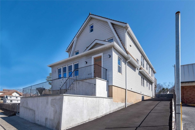 2 Bedrooms, Oyster Bay Rental in Long Island, NY for $2,300 - Photo 1