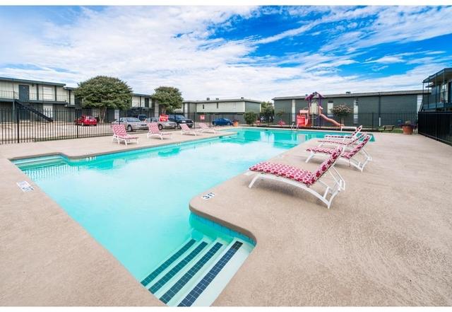1 Bedroom, Arlington Rental in Dallas for $740 - Photo 2
