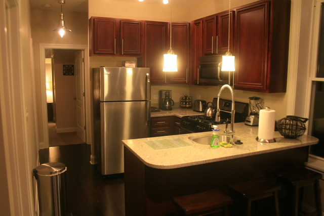 2 Bedrooms, Roscoe Village Rental in Chicago, IL for $2,995 - Photo 2